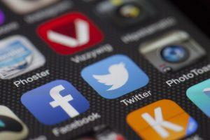 I social network ci fanno davvero sentire meno soli?