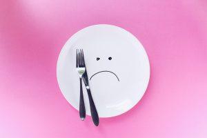 Anoressia, bulimia, binge eating: quali sono le cause?