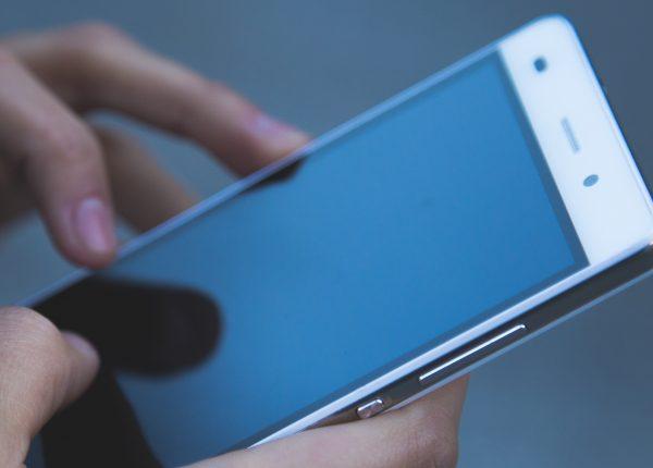 Fomo, 10 consigli per combattere l'intossicazione da smartphone